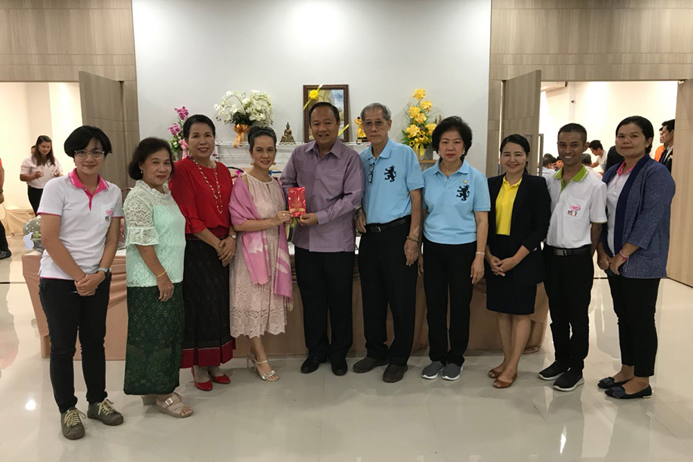 Mr. Narin Apichontrakul (Kieng Trading Co.,Ltd) his family and  guests donated 102,220 Baht at his 73rd birthday celebration.